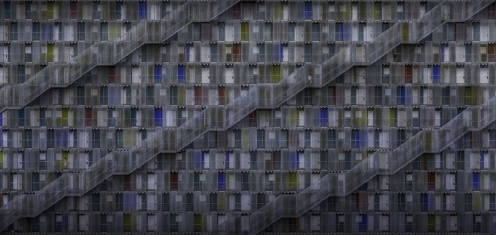 Снимок Life in Complex фотографа Daniel Eisele, занявший второе место в категории Open Built Environment конкурса the EPSON International Pano Awards 2018